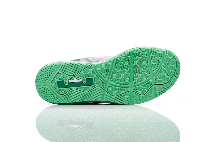 Nike Basketball Easter Collection LeBron 11 Low 003