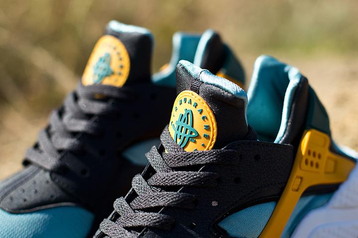 Nike Air Huarache LE Catalina Sneaker 003