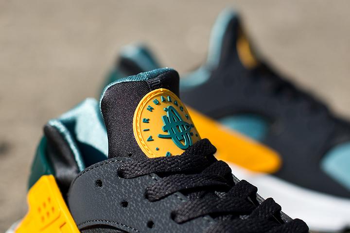 Nike Air Huarache LE Catalina Sneaker 006