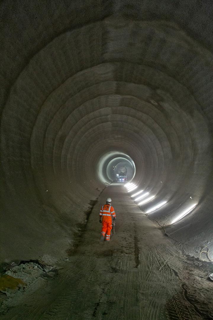 Take a look inside Londons new Crossrail tunnels 05
