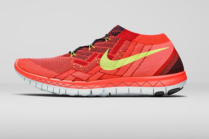 Nike_Running_SU15_STNDRD_718418_006_LAT.psd