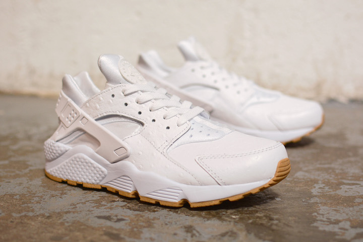 Nike-White-And-Gum-Pack-4