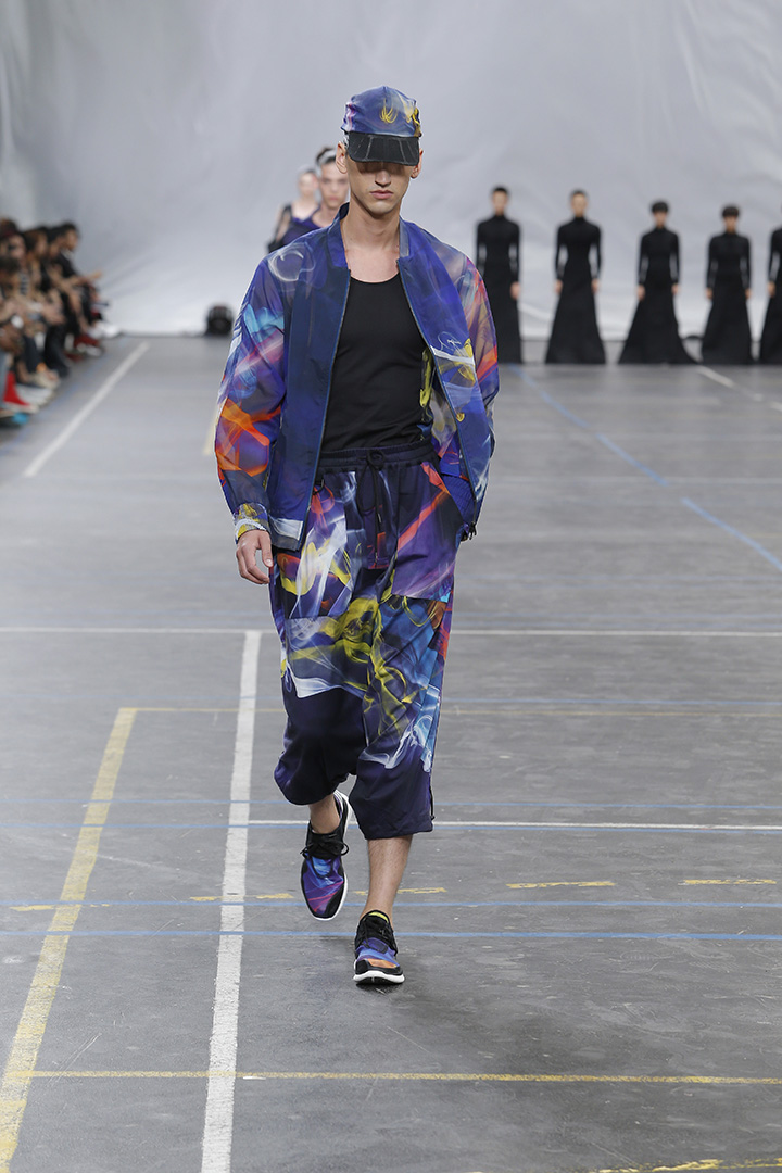 Y-3-SS16-Show-3-STRIPES-IN-MOTION-14