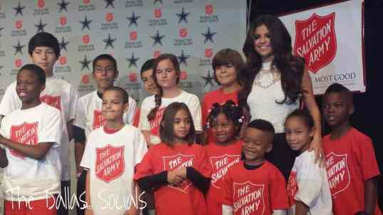 Selena Gomez To Perform Thanksgiving Halftime Show