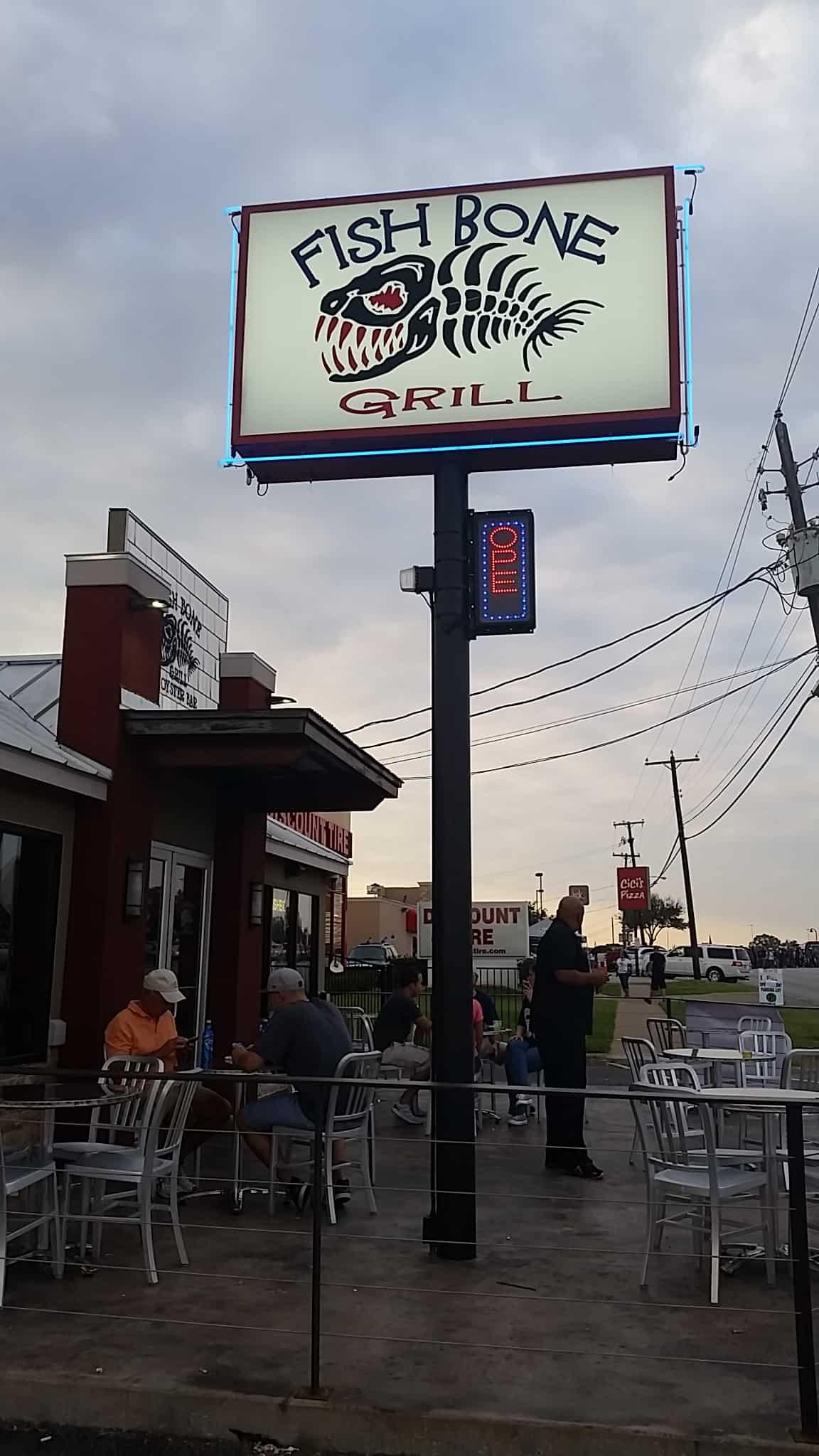 Dallas cowboys tailgate party with verizon wireless for Fish bone grill dallas