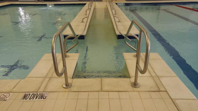 Therapy Pool  // Farmers Branch Aquatic Pool