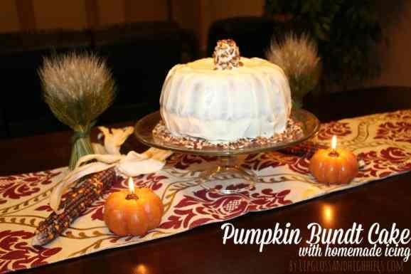 Thanksgiving-Dessert-Pumpkin-Bundt-Cake-Recipe-with-Homemade-icing-1024x682