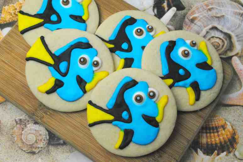 How to Decorate Dory Cookies