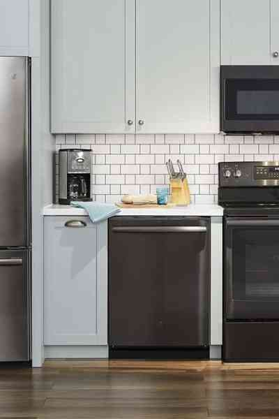 Three Reasons You Need GE Black Stainless Appliances