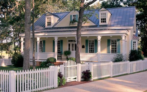 Enhance The Curb Appeal Of Your House With A Perimeter Fence The