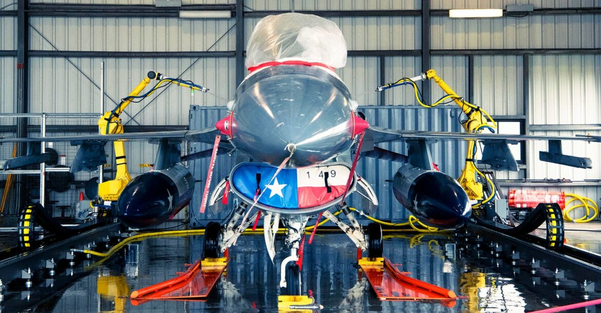 us air force unveils robot jet washer