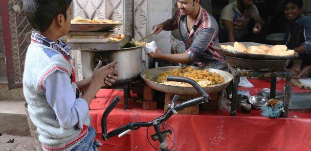 City Food - Muhammed Sajid's Yellow Sooji Halwa, Turkman Gate Bazaar