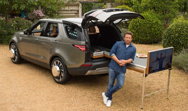 Jamie Oliver's new Land Rover Discovery is serious car goals