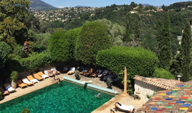 Madeline Saxton-Beer transports us to a legendary Provencal inn in the South of France