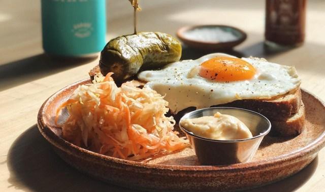 Denizen delves into travellers' tastebud temptations, over the summer break