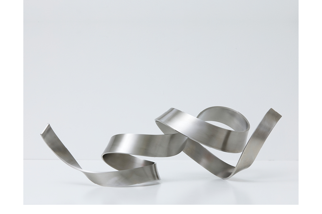 Stainless II by Ray Haydon