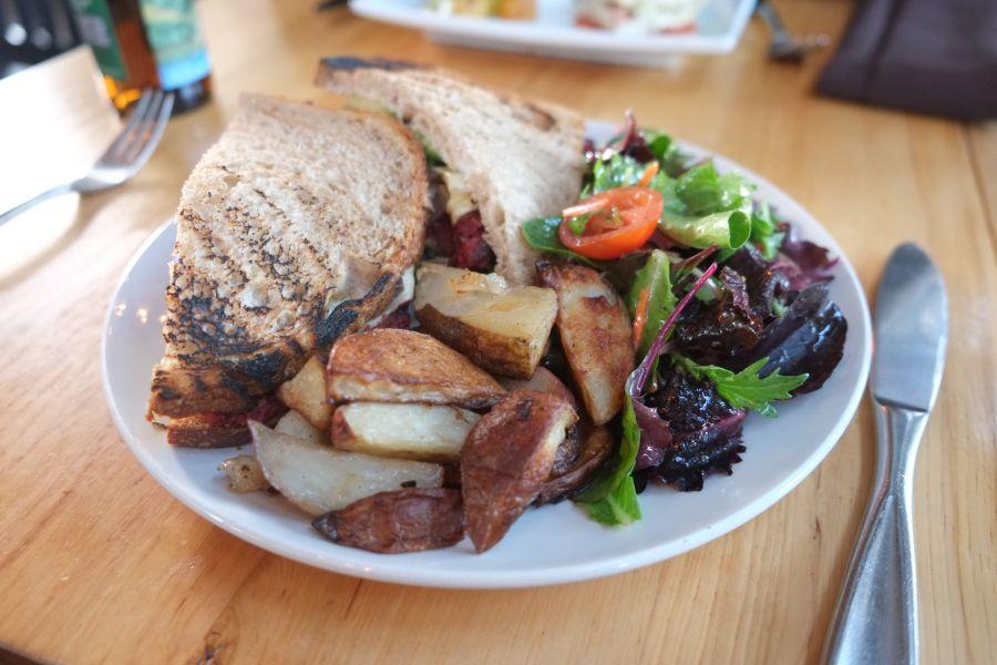 plant-restaurant-cafe (3)