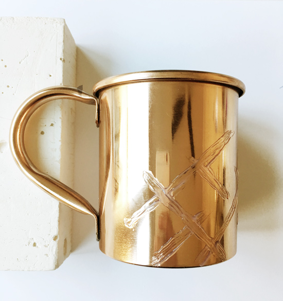 The Design Confidential DIY // 5 Minute Faux Enamel Moscow Mule Mug