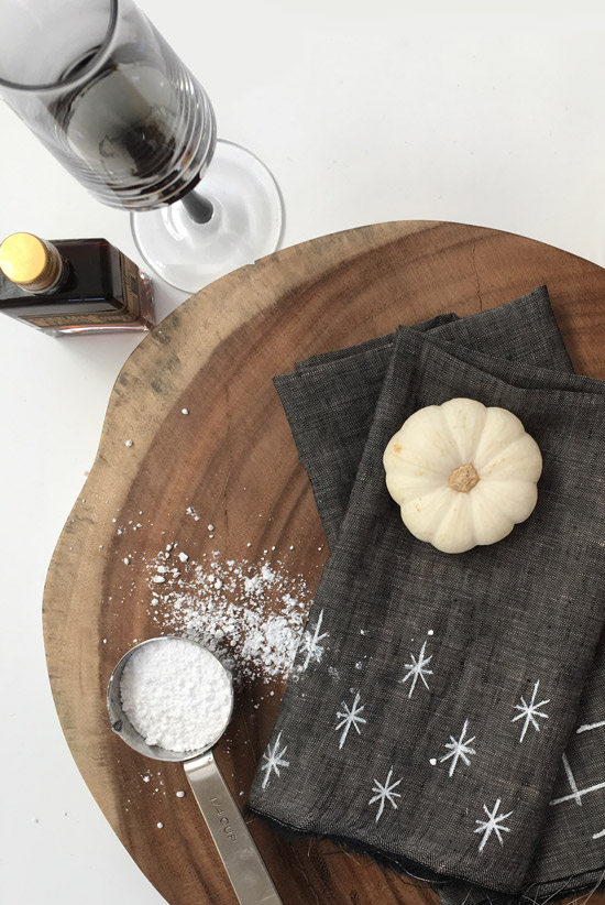 The Design Confidential Home for the Holidays // Dress it Up DIY Linen + Metallic Napkins