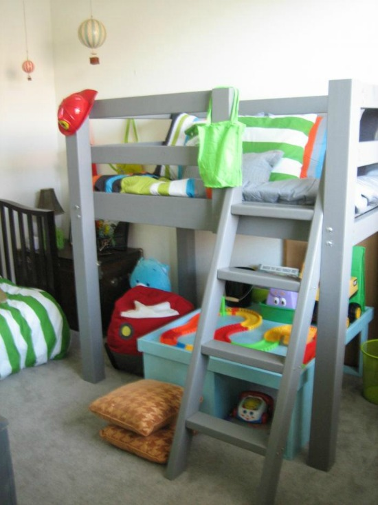 Great Free Woodworking Plans to Build a Toddler Sized Low Loft Bunk