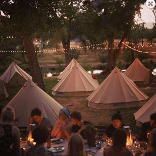 yurt-outside1-1.png