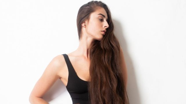 How To Make Your Hair Grow Faster And Thicker At Home
