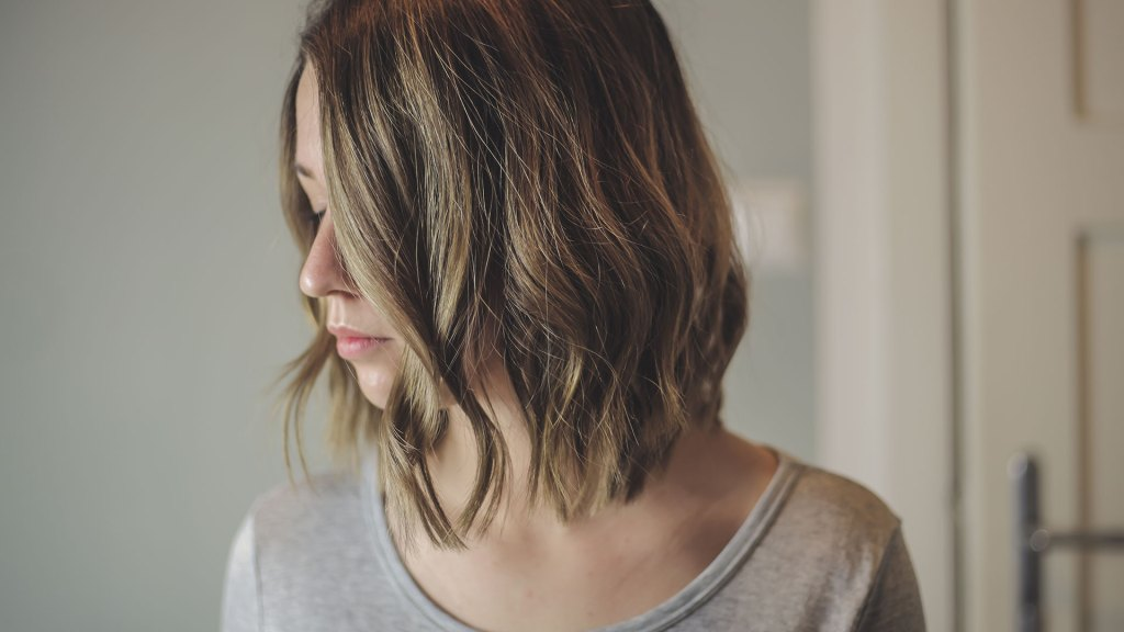 Beach Waves: how to curl a bob