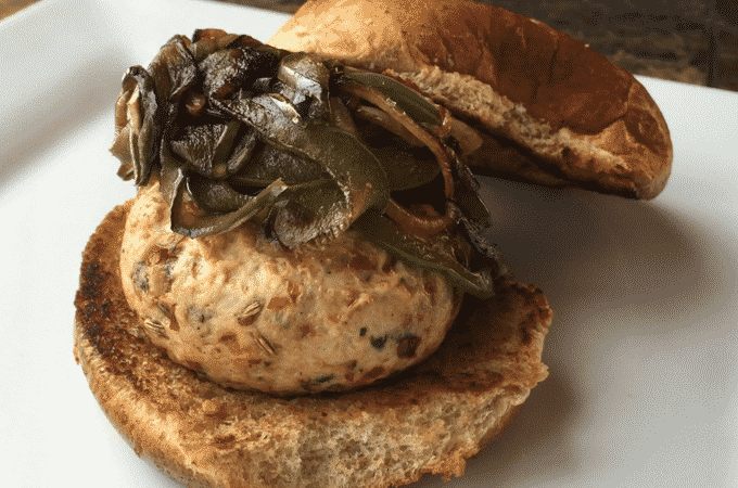 This healthy Italian sausage turkey burger recipe by The Diet Chef is out of this world good! Plus, these burgers only have 1g of fat and 3 Weight Watcher Points Plus. #Healthyrecipes #WeightWatchers