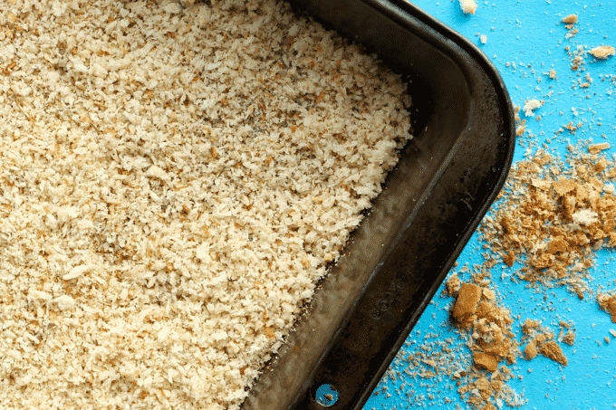 Healthy homemade breadcrumbs. I had no idea it was this easy to make breadcrumbs. I will never buy them at the store again. This recipe is amazing and a definite must make! #Healthy