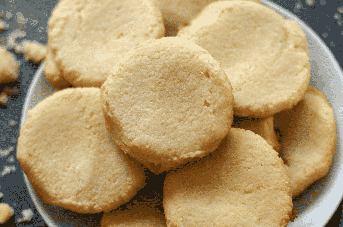 BEST Buttery Low Carb Keto Shortbread Cookies Made with Almond Flour!