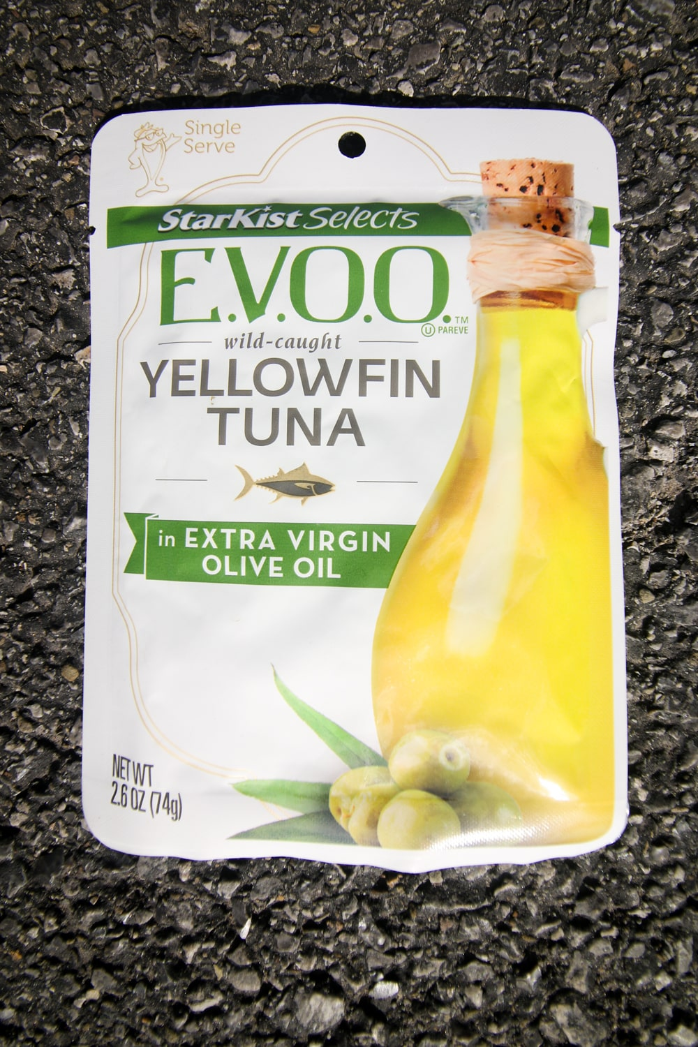 A pouch of tuna with extra virgin olive oil.