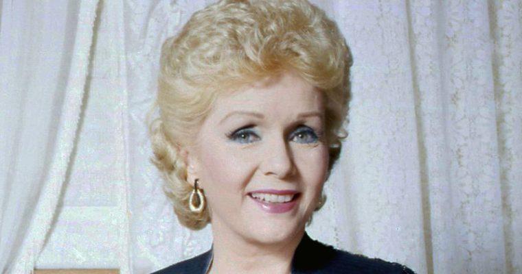 Debbie Reynolds muere un día después que su hija Carrie Fisher