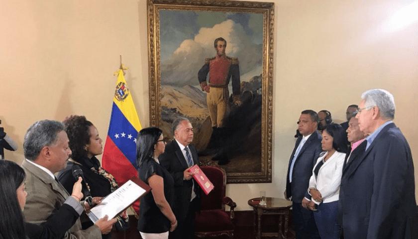 Gobernadores de AD: Sacrificando dignidad en nombre de sus cargos