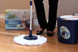 How does the spin mop work