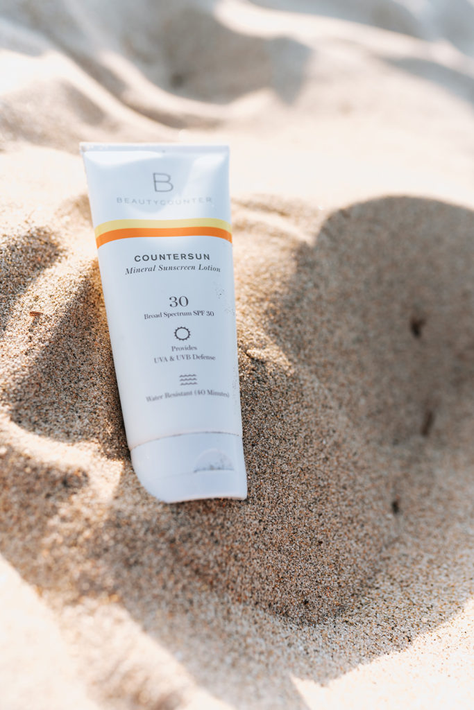 Clean and Non-Toxic Sunscreen Options for Summer #bestsunscreen #mineralsunscreen #safesunscreen #cleanskincare