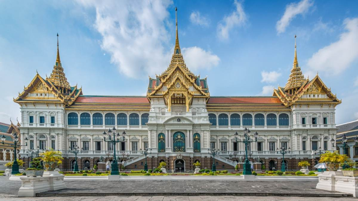 Grand Palace, Bankok Four awesome Southeast Asia travel itineraries I Photography I Itinerary I Landscape I Food I Architecture I Laos I Thailand I Cambodia I Myanmar I Malaysia I Vietnam. Read the full travel guide now #travel #backpacking