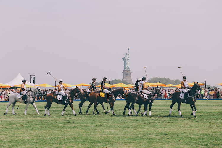 veuve clicquot polo classic fashion blogger anja tufina21