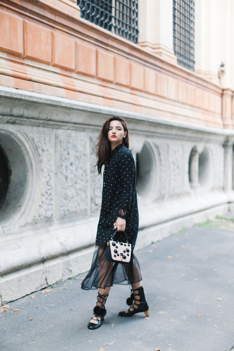 kristina-ti-black-dress-petriglia-lipstick-bag-thedollsfactory-fashion-blogger-milan