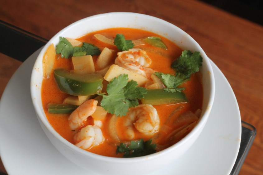 Easy Thai Red Curry | thedomesticblonde.com