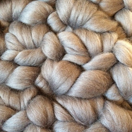 Practical Giant Yarn: Extreme Yarn for Everyday Use | The Domestic Wildflower click through to read which giant yarn is the very best for a durability as well as beauty.