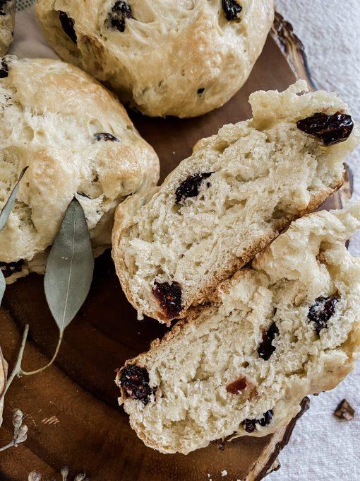 Irish Soda Bread Recipe for Rolls or Loaves || Dreamery