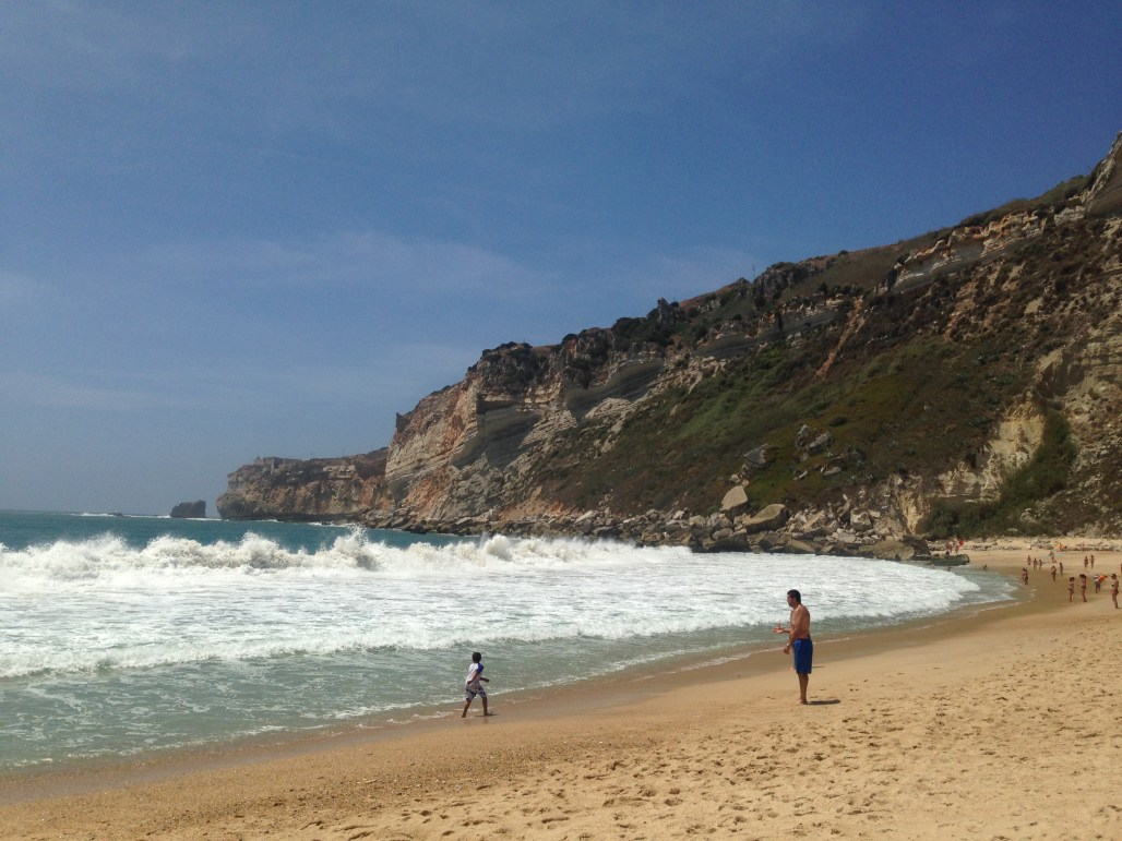Traveling to ..... the land of large waves & cool surf scenes Nazaré