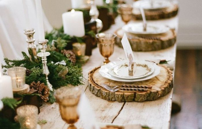 I'm Loving…Simple + Elegant Christmas Tablescapes