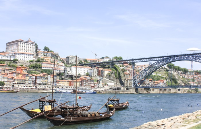 Traveling to… Where Tradition Meets Lively Beauty : Porto's Picturesque Ribeira