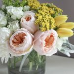 How To : Caring For Fresh Cut Flowers at Home & the Prettiest Colorful Floral Centerpiece DIY