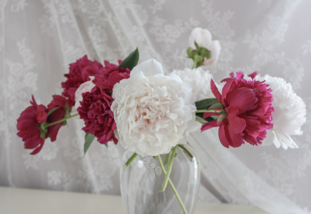 Floral Inspiration :: Natural Carefree Beauty of Peonies || Dreamery Events