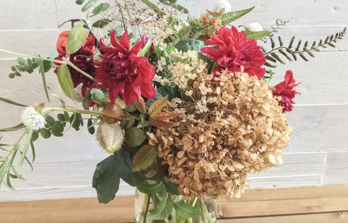 Autumn Inspiration :: Honoring the Season's Textures + Warm Golden Tones || Dreamery Events