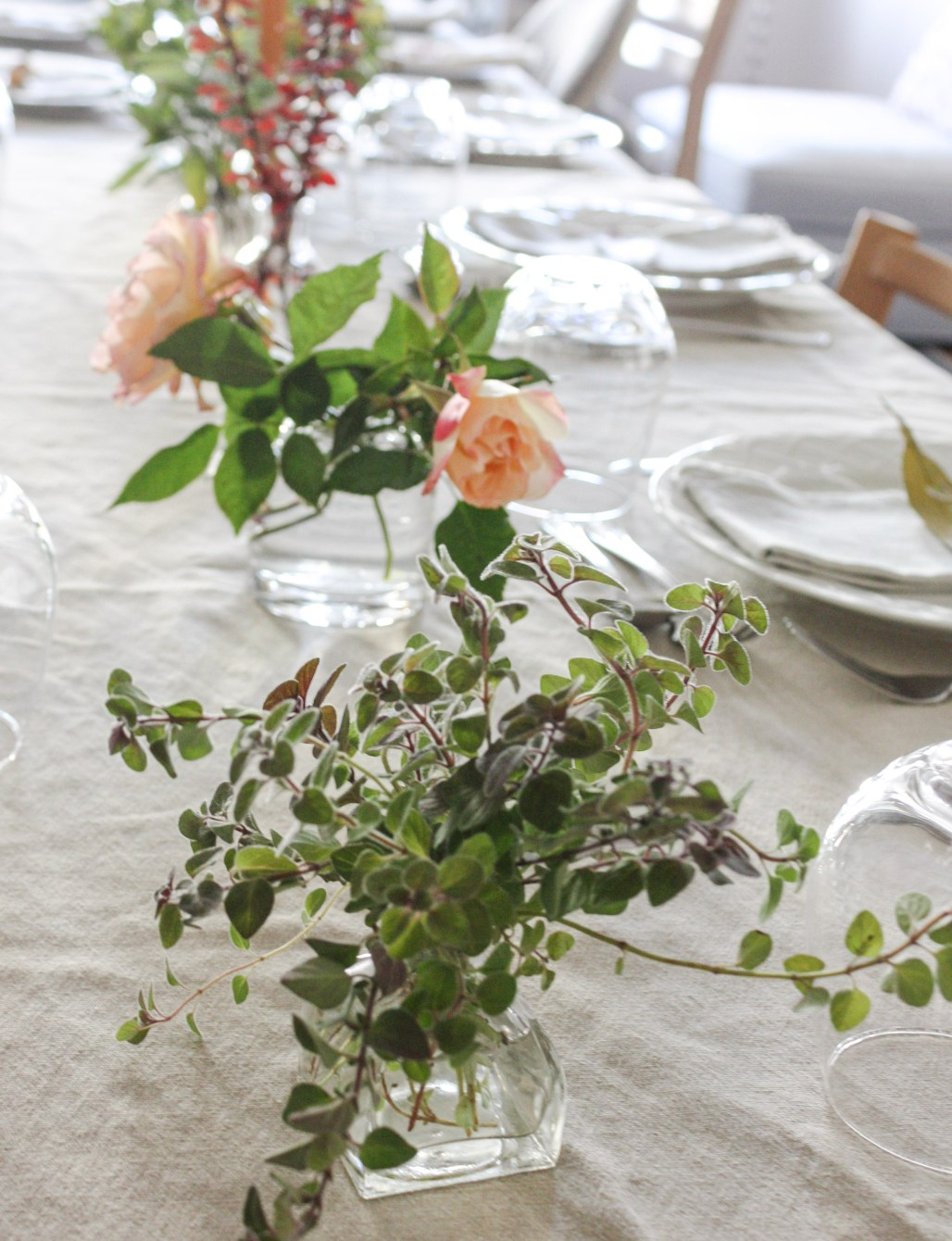 A Sweet + Simple Thanksgiving with Custom Leaf Place Cards    Dreamery Events
