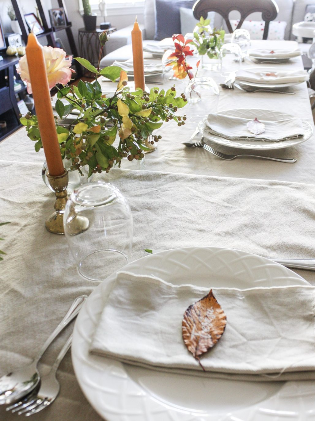 A Sweet + Simple Thanksgiving with Custom Leaf Place Cards || Dreamery Events