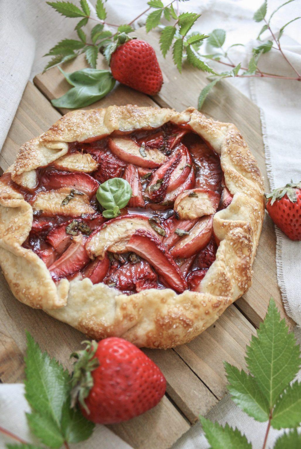 Strawberry, Peach & Basil Balsamic Galette || Dreamery Events